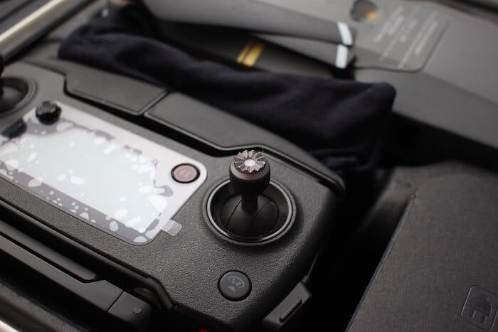 Kontroler Mavica Pro - zoom na joystick.