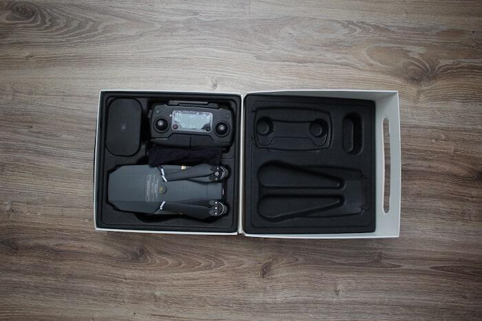 Mavic Pro - zawartość pudełka.