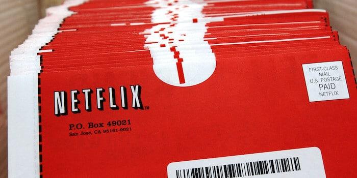 Koperty Netflixa z płytami DVD