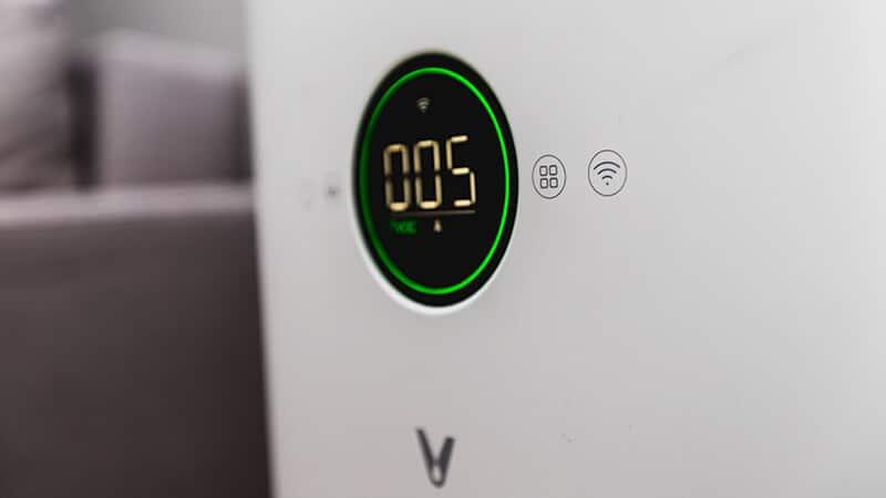 Viomi Smart Air Purifier Pro - wyświetlacz oraz zintegrowane z obudową przyciski