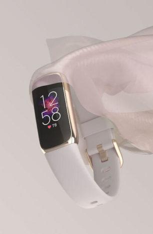 Fitbit Luxe już dostępny w przedsprzedaży. Jest też specjalna wersja w biżuterii gorjana