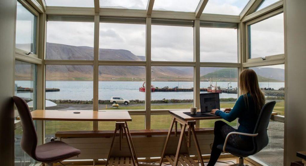 Praca na Islandii